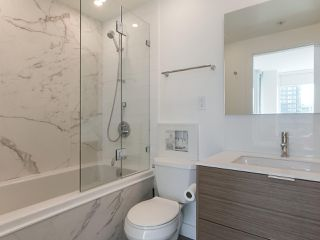 """Photo 20: 3507 1328 W PENDER Street in Vancouver: Coal Harbour Condo for sale in """"Classico"""" (Vancouver West)  : MLS®# R2377546"""