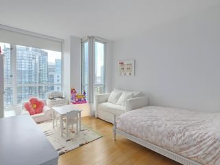 """Photo 19: 3507 1328 W PENDER Street in Vancouver: Coal Harbour Condo for sale in """"Classico"""" (Vancouver West)  : MLS®# R2377546"""