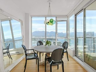 """Photo 6: 3507 1328 W PENDER Street in Vancouver: Coal Harbour Condo for sale in """"Classico"""" (Vancouver West)  : MLS®# R2377546"""