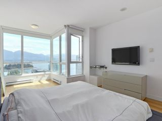 """Photo 15: 3507 1328 W PENDER Street in Vancouver: Coal Harbour Condo for sale in """"Classico"""" (Vancouver West)  : MLS®# R2377546"""