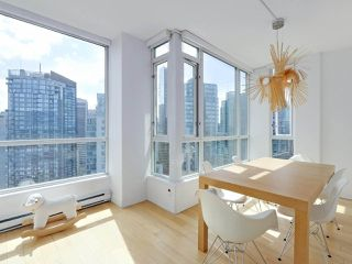 """Photo 12: 3507 1328 W PENDER Street in Vancouver: Coal Harbour Condo for sale in """"Classico"""" (Vancouver West)  : MLS®# R2377546"""