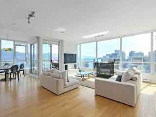 """Photo 5: 3507 1328 W PENDER Street in Vancouver: Coal Harbour Condo for sale in """"Classico"""" (Vancouver West)  : MLS®# R2377546"""