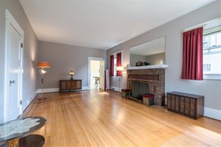 Photo 3: 1012 LONDON Street in New Westminster: Moody Park House for sale : MLS®# R2379004