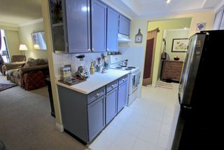 """Photo 2: 106 2710 LONSDALE Avenue in North Vancouver: Upper Lonsdale Condo for sale in """"The Lonsdale"""" : MLS®# R2382741"""