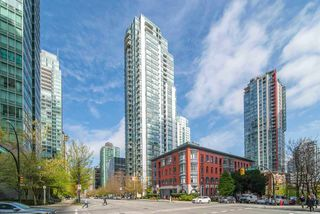 """Main Photo: 3306 1239 W GEORGIA Street in Vancouver: Coal Harbour Condo for sale in """"Venus"""" (Vancouver West)  : MLS®# R2383980"""