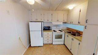 Photo 11: 27-2500 Florence Lake  |  Manufactured Home For Sale