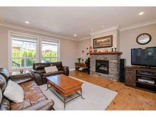 Photo 6: 6233 165 Street in Surrey: Cloverdale BC House for sale (Cloverdale)  : MLS®# R2384596