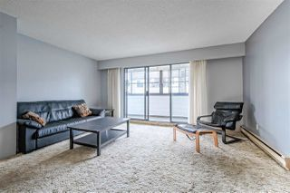 """Photo 3: 208 1448 FIR Street: White Rock Condo for sale in """"The Dorchester"""" (South Surrey White Rock)  : MLS®# R2385747"""