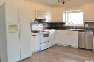 Photo 2: 318 Wedge Road in Saskatoon: Dundonald Residential for sale : MLS®# SK778676