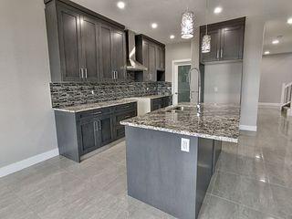 Photo 5: 7432 182 Avenue in Edmonton: Zone 28 House for sale : MLS®# E4186251