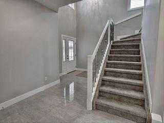 Photo 2: 7432 182 Avenue in Edmonton: Zone 28 House for sale : MLS®# E4186251