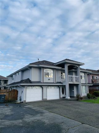 Photo 2: 7540 124 Street in Surrey: West Newton House for sale : MLS®# R2436139