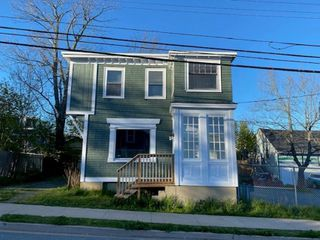 Main Photo: 38 Pine Street in Dartmouth: 10-Dartmouth Downtown To Burnside Multi-Family for sale (Halifax-Dartmouth)  : MLS®# 202014064