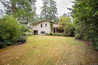 Photo 37: 2640 E MacDonald Dr in : SE Queenswood House for sale (Saanich East)  : MLS®# 858356