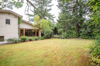 Photo 38: 2640 E MacDonald Dr in : SE Queenswood House for sale (Saanich East)  : MLS®# 858356