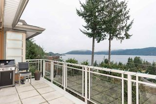 """Photo 28: 8555 SEASCAPE Lane in West Vancouver: Howe Sound Townhouse for sale in """"Seascapes"""" : MLS®# R2512079"""