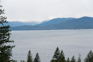 """Photo 30: 8555 SEASCAPE Lane in West Vancouver: Howe Sound Townhouse for sale in """"Seascapes"""" : MLS®# R2512079"""