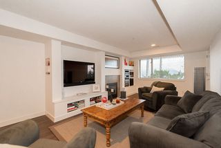 """Photo 26: 8555 SEASCAPE Lane in West Vancouver: Howe Sound Townhouse for sale in """"Seascapes"""" : MLS®# R2512079"""
