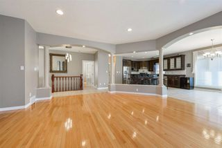 Photo 8: 1328 119A Street in Edmonton: Zone 16 House for sale : MLS®# E4219466