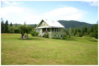Photo 3: 3864 Pakka Road in Tappen: White Lake House for sale (Shuswap)  : MLS®# 10079884