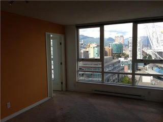 """Photo 5: 2207 939 EXPO Boulevard in Vancouver: Yaletown Condo for sale in """"MAX II"""" (Vancouver West)  : MLS®# V1028877"""