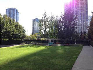 """Photo 15: 2207 939 EXPO Boulevard in Vancouver: Yaletown Condo for sale in """"MAX II"""" (Vancouver West)  : MLS®# V1028877"""