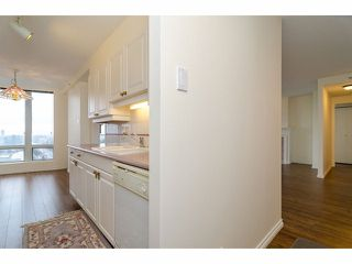 Photo 3: 2005 14820 104TH Avenue in Surrey: Guildford Condo for sale (North Surrey)  : MLS®# F1402422