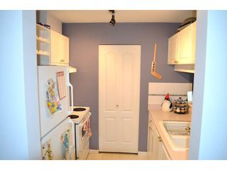 "Photo 8: 306 1588 BEST Street: White Rock Condo for sale in ""THE MONTEREY"" (South Surrey White Rock)  : MLS®# F1432926"