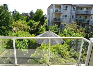 "Photo 10: 306 1588 BEST Street: White Rock Condo for sale in ""THE MONTEREY"" (South Surrey White Rock)  : MLS®# F1432926"