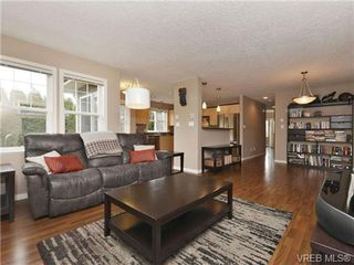 Photo 3: 804 Gannet Court in VICTORIA: La Bear Mountain Single Family Detached for sale (Langford)  : MLS®# 349623