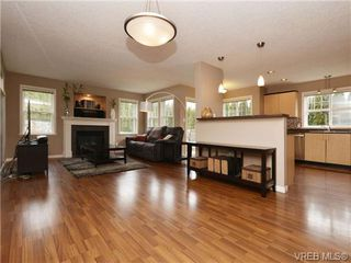 Photo 5: 804 Gannet Court in VICTORIA: La Bear Mountain Single Family Detached for sale (Langford)  : MLS®# 349623