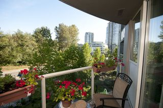 Photo 1: 403 200 NEWPORT DRIVE in Port Moody: Home for sale : MLS®#  V1022706