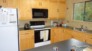 """Photo 8: 40721 PERTH Drive in Squamish: Garibaldi Highlands House for sale in """"Garibaldi Highlands"""" : MLS®# R2026926"""