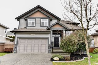 Main Photo: 19685 71A Avenue in Langley: Willoughby Heights House for sale : MLS®# R2029897