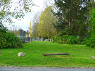 Photo 5: 17432 61A Avenue in Langley: Cloverdale BC House for sale (Cloverdale)  : MLS®# R2057236