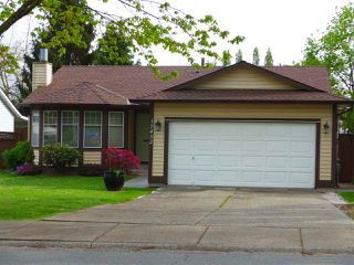 Photo 2: 17432 61A Avenue in Langley: Cloverdale BC House for sale (Cloverdale)  : MLS®# R2057236