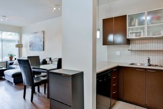 """Photo 3: 207 10499 UNIVERSITY Drive in Surrey: Whalley Condo for sale in """"D'COR"""" (North Surrey)  : MLS®# R2070519"""