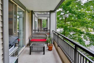 """Photo 13: 207 10499 UNIVERSITY Drive in Surrey: Whalley Condo for sale in """"D'COR"""" (North Surrey)  : MLS®# R2070519"""