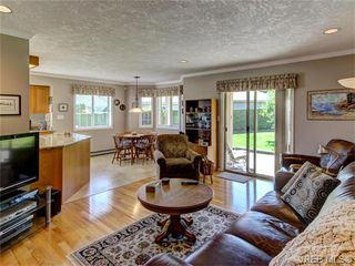 Photo 12: 2513 Emmy Pl in VICTORIA: CS Tanner House for sale (Central Saanich)  : MLS®# 745609
