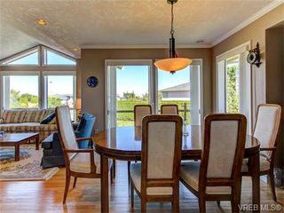 Photo 4: 2513 Emmy Pl in VICTORIA: CS Tanner House for sale (Central Saanich)  : MLS®# 745609