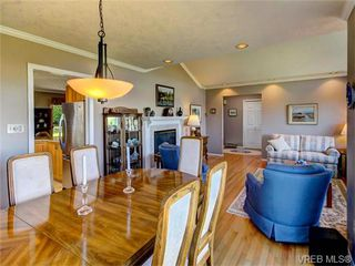 Photo 16: 2513 Emmy Pl in VICTORIA: CS Tanner House for sale (Central Saanich)  : MLS®# 745609
