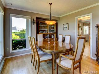Photo 6: 2513 Emmy Pl in VICTORIA: CS Tanner Single Family Detached for sale (Central Saanich)  : MLS®# 745609