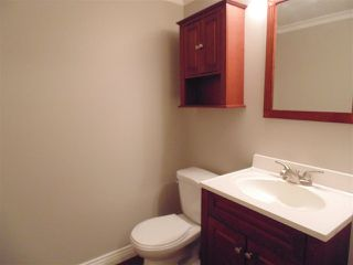 """Photo 5: 212 10620 150 Street in Surrey: Guildford Townhouse for sale in """"Lincoln's Gate"""" (North Surrey)  : MLS®# R2124375"""