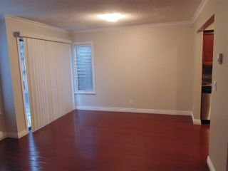 """Photo 4: 212 10620 150 Street in Surrey: Guildford Townhouse for sale in """"Lincoln's Gate"""" (North Surrey)  : MLS®# R2124375"""