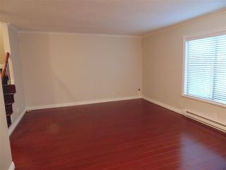 """Photo 3: 212 10620 150 Street in Surrey: Guildford Townhouse for sale in """"Lincoln's Gate"""" (North Surrey)  : MLS®# R2124375"""