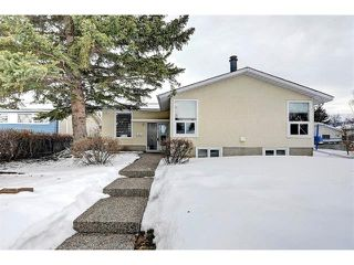Photo 2: 6415 LONGMOOR Way SW in Calgary: Lakeview House for sale : MLS®# C4102401