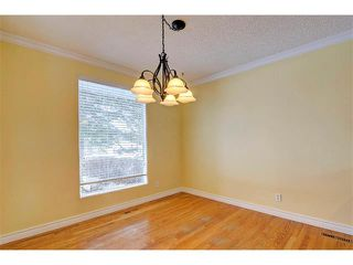 Photo 7: 6415 LONGMOOR Way SW in Calgary: Lakeview House for sale : MLS®# C4102401