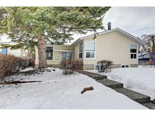 Photo 1: 6415 LONGMOOR Way SW in Calgary: Lakeview House for sale : MLS®# C4102401