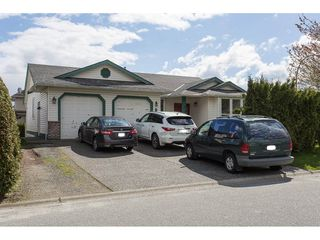 Photo 2: 31084 UPPER MACLURE Road in Abbotsford: Abbotsford West House for sale : MLS®# R2160568