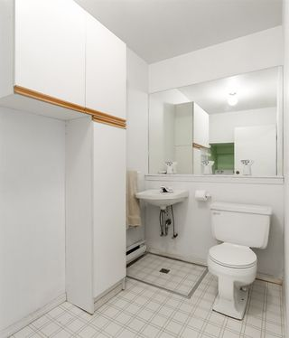 Photo 3: 959 BLACKSTOCK Road in Port Moody: North Shore Pt Moody Townhouse for sale : MLS®# R2161202